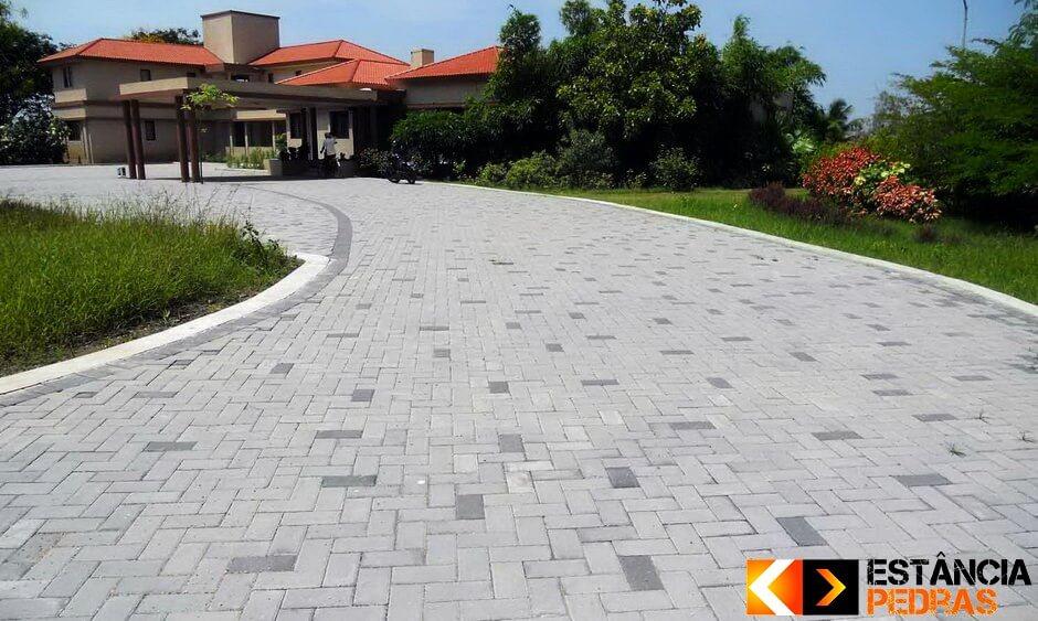 Pavimentação com Bloquete em Mirassolândia (Adjacências) Feito com Mão de Obra e Bloquetes da Estância Pedras