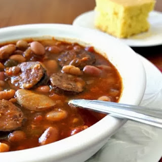 Recipe for Slow Cooker Smokey 15 Bean Soup with Sausage.