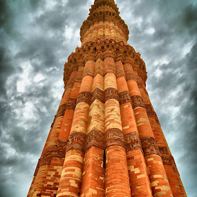 Qutub by Akshay K - Buildings & Architecture Public & Historical ( qutub, minar, historical, drlhi, india )
