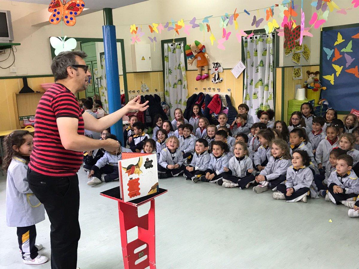la magia de los libros con Alfonso V en Colegios 2017 risas niños