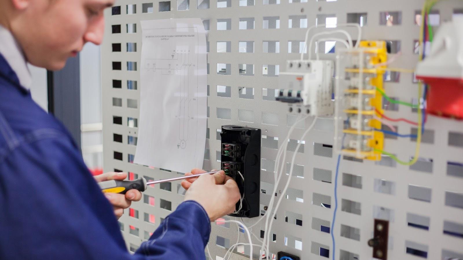 EPMC elektrotechnikas