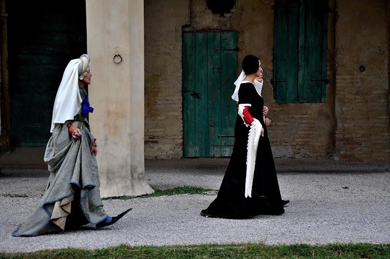 passeggiata medievale di flori