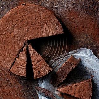 Flourless Cacao Fudge Cake Recipe