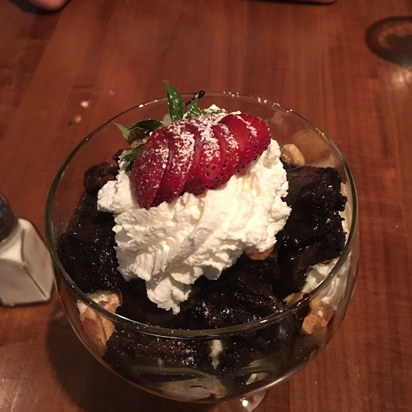 Brownie ice cream sundae