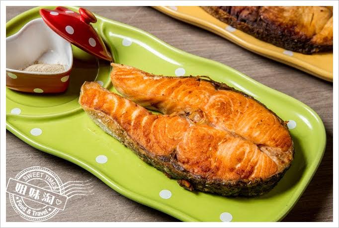 熊賀餐酒館香煎鮭魚