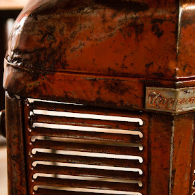 Rocque Castro - making furniture from salvaged steel and reclaimed wood by Michael Keel - Products & Objects Industrial Objects ( farm, rocque castro - making furniture from salvaged steel and reclaimed wood- culpeper va., tractor )