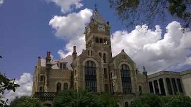 Photo: Victoria County Courthouse