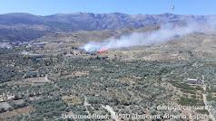 Imagen del incendio forestal publicada por el Plan Infoca en Twitter.