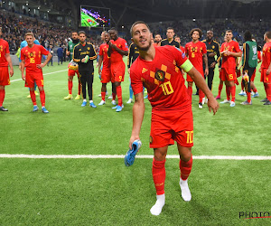 """Hazard schenkt schoenen aan fan: """"Een beloning voor mij"""""""