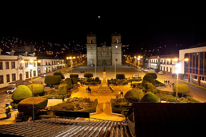 La hermosa Plaza Republicana de Puno