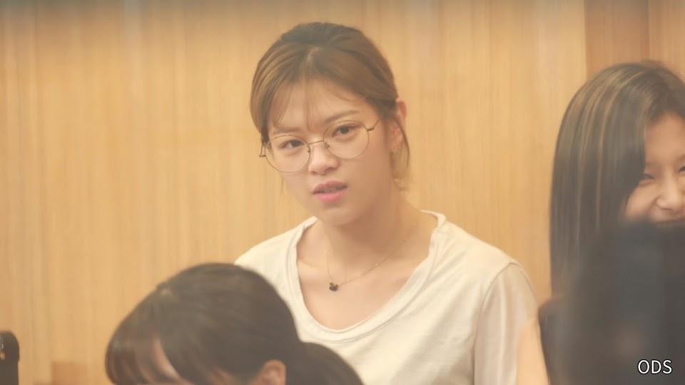 jeongyeon1