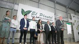 El director general de El Plantel Semilleros, Manuel Escudero, ofreció un discurso de bienvenida durante la inauguración.