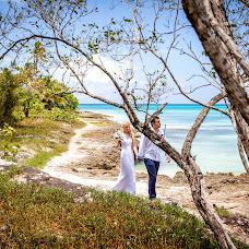 Wedding photographer Elena Bukhtoyarova (lebv64). Photo of 06.07.2014