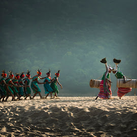 BISON DANCE by Nanda Ban - People Musicians & Entertainers ( bison dance )