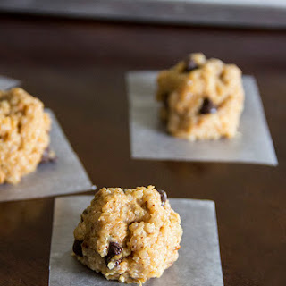 Healthy Peanut Butter Chocolate Quinoa Cookies