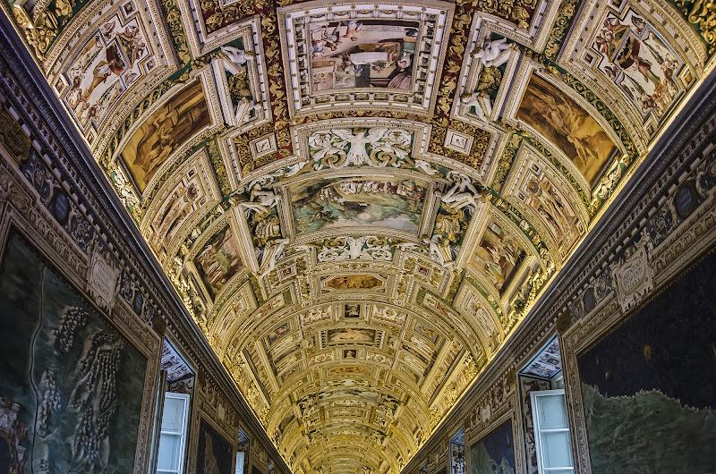 La prospettiva ai musei vaticani di Daniela Denaro