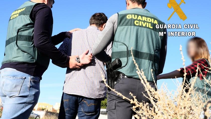 Imagen de la detención facilitada por la Guardia Civil de Almería.