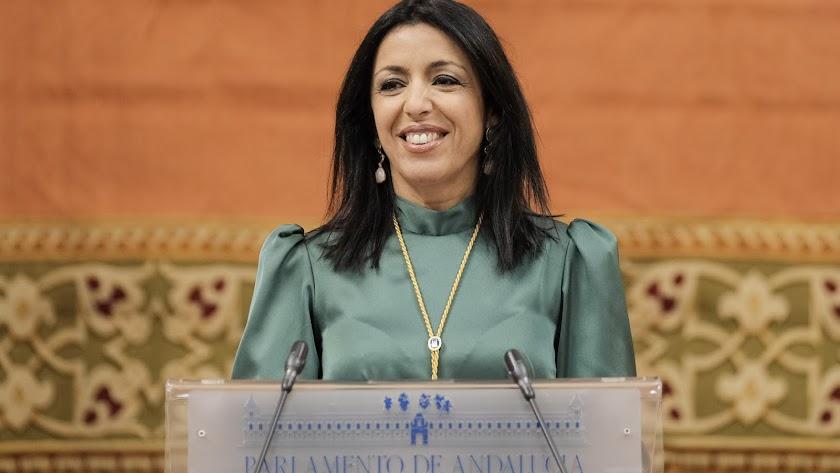 Marta Bosquet durante su discurso en el Pleno Institucional.