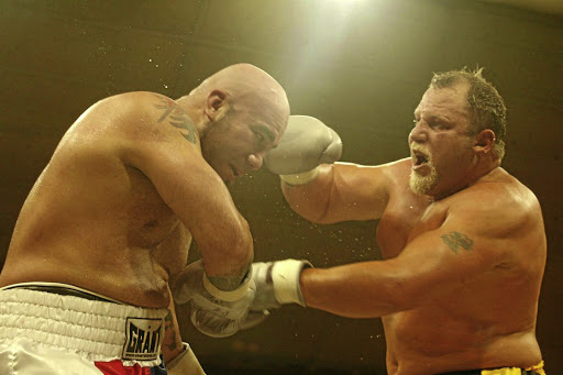 WBF world heavyweight title fight between Francois Botha, right, and Ron Guerrero of US./MOHAU MOFOKENG
