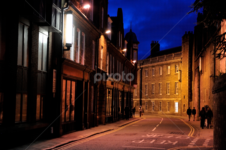 Cambride night... by Zvonimir Cuvalo - City,  Street & Park  Street Scenes ( uk, england, life, street, night, cambridge )