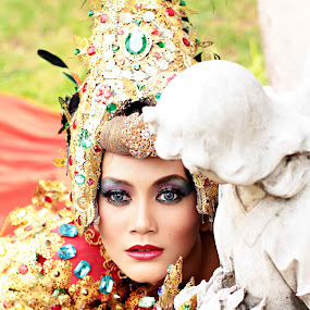 full colour by Bagas Prakoso - People Portraits of Women