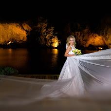 Wedding photographer Kostas Sinis (sinis). Photo of 13.09.2018