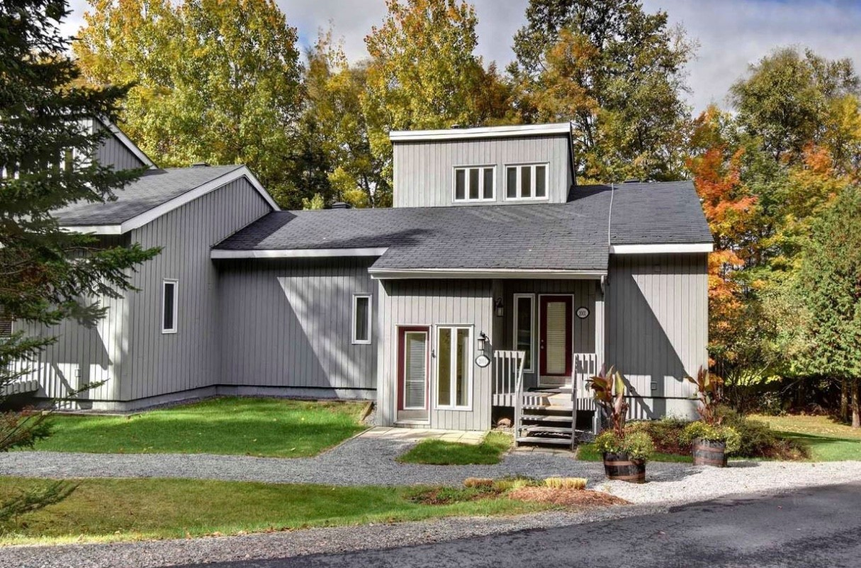 Magnificient cottages for rent in Tremblant, Quebec #4