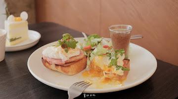 YOLO MOMENT cafe & bakery 台中店