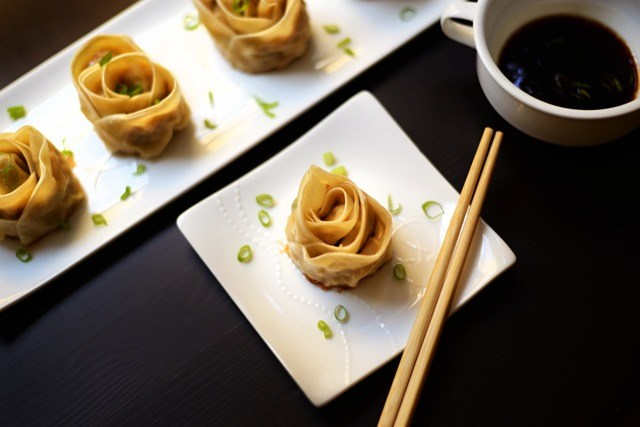 Rose Shaped Chicken and Shrimp Gyoza Recipe