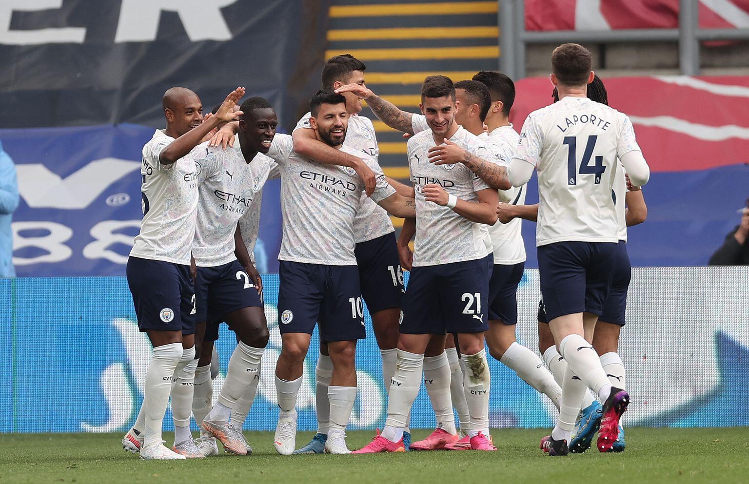 Manchester City đã chạm 1 tay vào chức vô địch Premier League