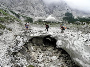 Photo: Snježni mostić preko potoka