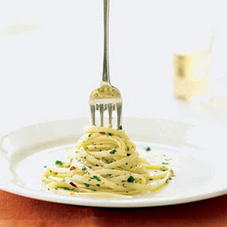 Linguine and Garlic Oil