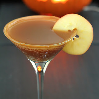 Caramel Apple Cider Cocktail.