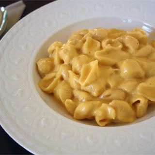Stove Top Macaroni and Cheese {Recipe}