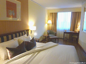Photo: #013-Mandalay, le Mandalay Hill Resort. La chambre.