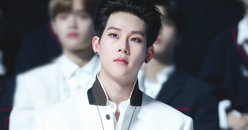 jooheon 2019 jingle ball 0