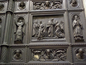 Photo: This is a close-up of the bronze door called St. Issac's Gate.