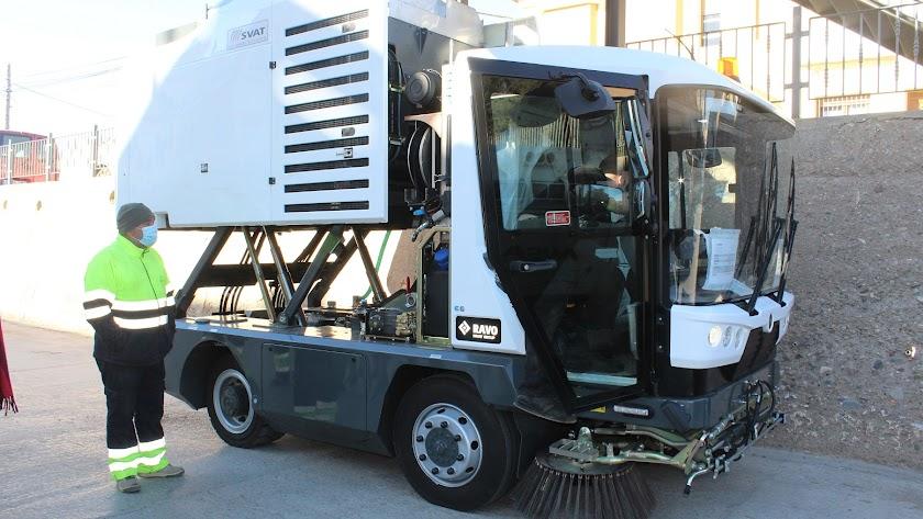 La nueva máquina adquirida por el Ayuntamiento de Pulpí.