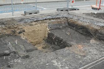 Photo: Opgravingen Markt Deinze aan bib.
