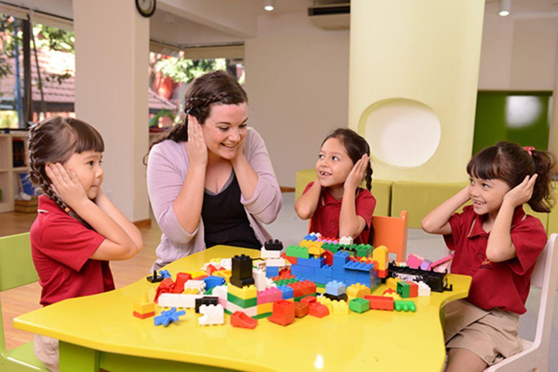 5 điều nên biết để học cách làm cha mẹ vui vẻ