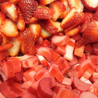 Rhubarb Strawberry Yogurt Parfait Recipe