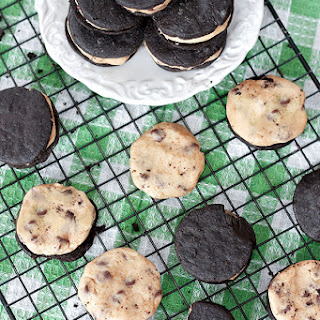 Vegan Cookie Dough Oreos