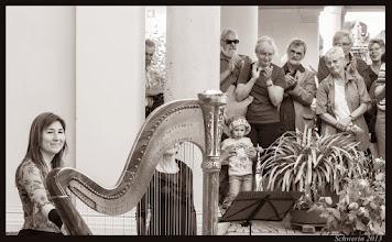Photo: dankbare Zuhörer nach dem Konzert für Flöte und Harfe