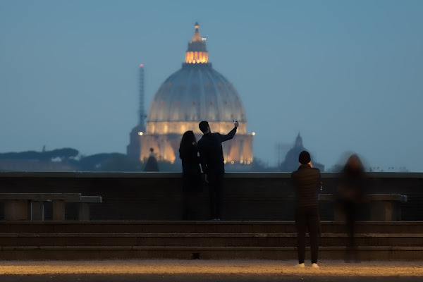 Selfie and Shots ... in front of the Holiest Place (Rome) di davide fantasia
