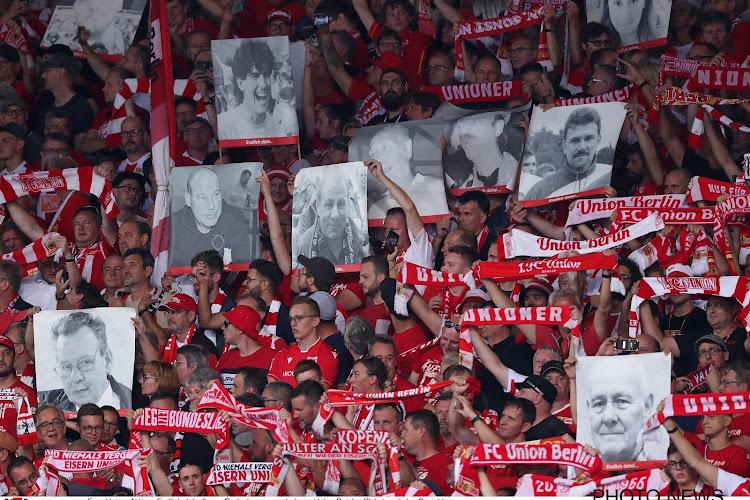 📷 Prachtige supportersactie in Bundesliga: ode aan overleden fans bij entrée op hoogste niveau