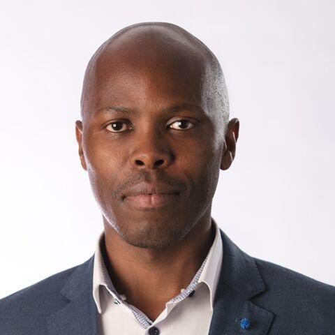 Dr Jabu Mtsweni ,