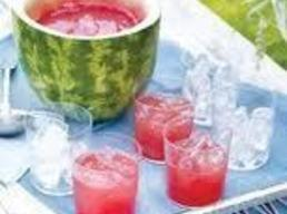 Just before serving, stir in club soda and pour in glasses. Enjoy!