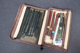 Photo: Derwent Artpack Canvas Pencil Case - http://www.parkablogs.com/node/10921