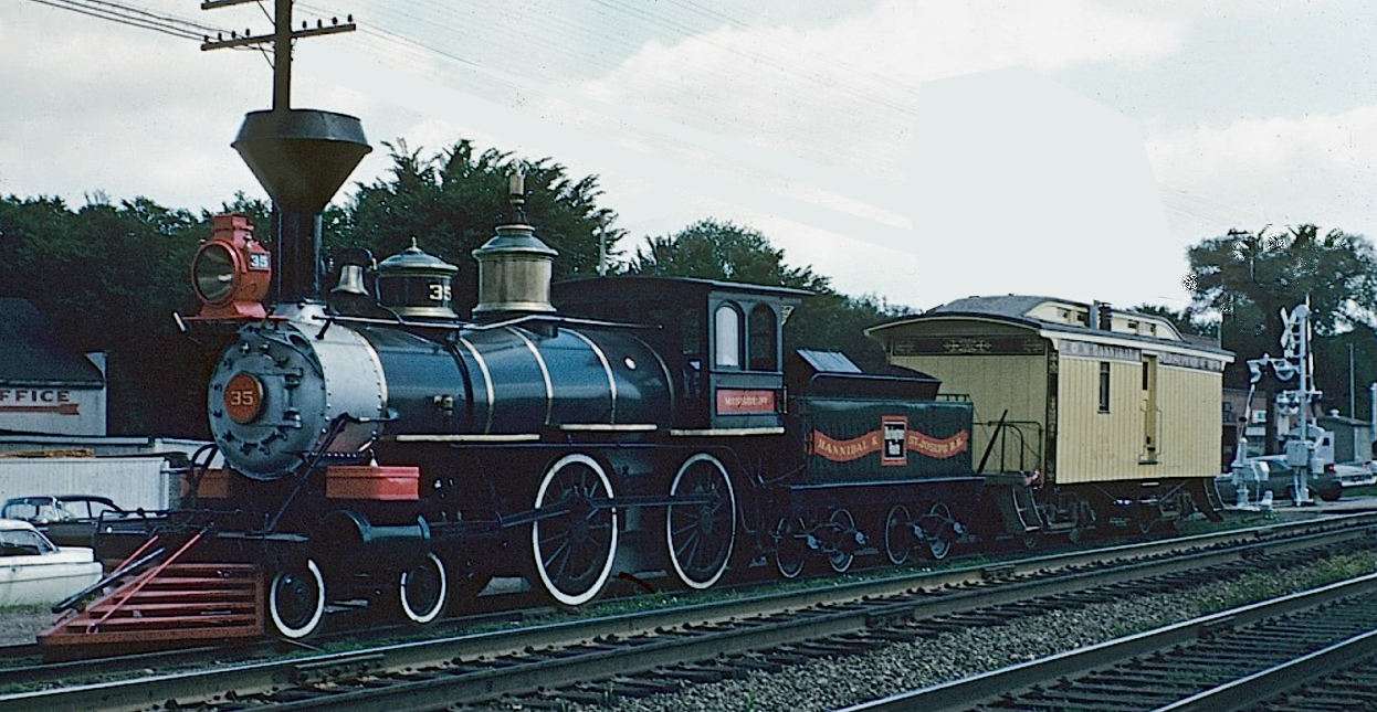 HStJRR Engine 35 & Mail Car.png
