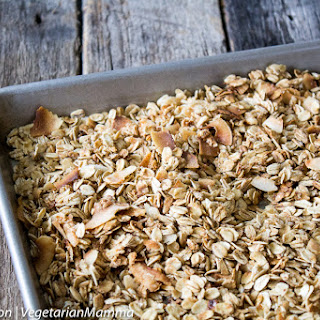 Easy Homemade Gluten Free Granola + How to Make the PERFECT Dairy-Free Parfait.
